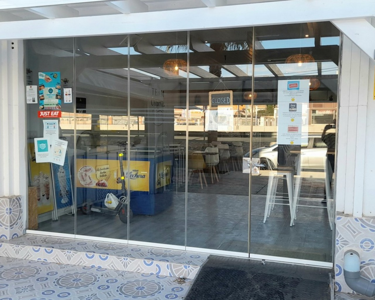 Sale - commercial - Cabo Roig