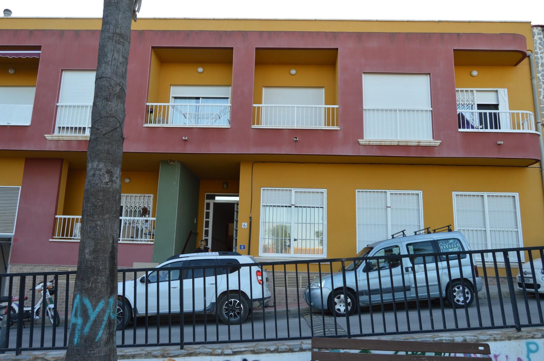 For long-term let: 3 bedroom apartment / flat in Torremendo